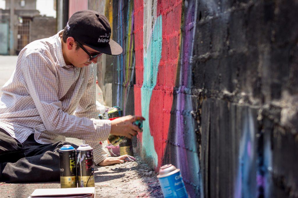 bombe peinture aérosol